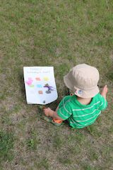 Outdoor rainbow scavenger hunt, easy to make at home or on the go