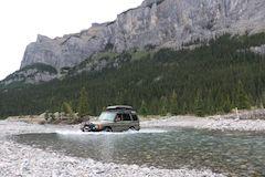 Land Rover women