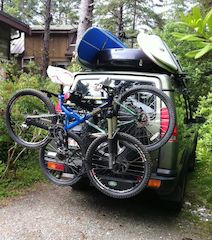 Land Rover Discovery 2 Fully Loaded - Roof Rack, Ski Box, Bikes and Surf Board. Ready For a Fun Adventure