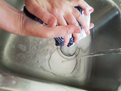 squeeze water out of cross stitch